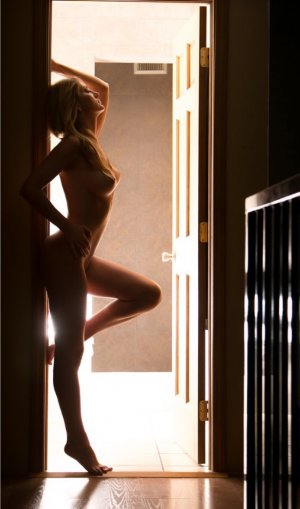 Milaya adult dating in Portland OR